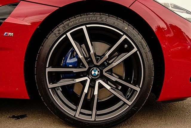 2020-BMW-Z4-sDrive30i-tire-and-rim