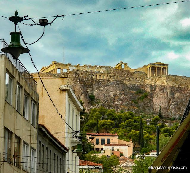 A Acrópole de Atenas na paisagem da cidade
