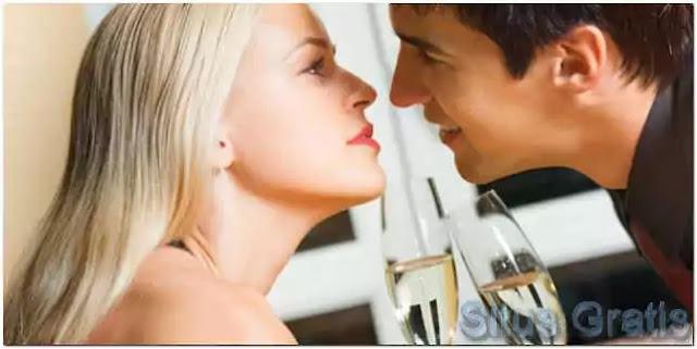 perilaku atraktif sebagai percobaan menarik perhatian lawan jenis