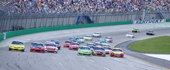 Kevin Harvick overcomes pit mistakes to win Sams Town 300