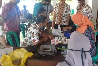 Babinsa Lakukan Pendampingan Posbindu PTM Bagi Perangkat Desa Dan Masyarakat