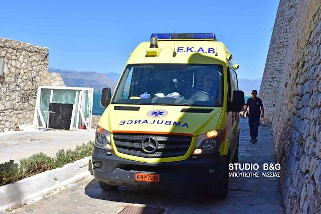 Άμεση κινητοποίηση ΕΚΑΒ και Λιμεναρχείου στο Ναύπλιο για άνδρα που κινδύνεψε να πνιγεί