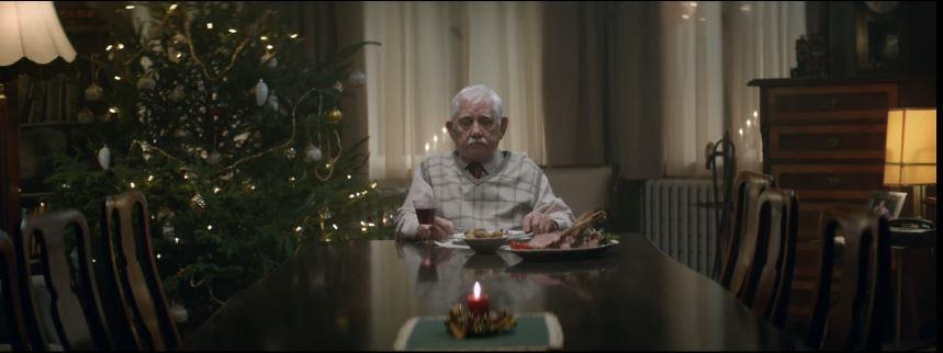 Canzone EDEKA pubblicità con vecchietto che mangia da solo a natale - Musica spot Novembre 2016