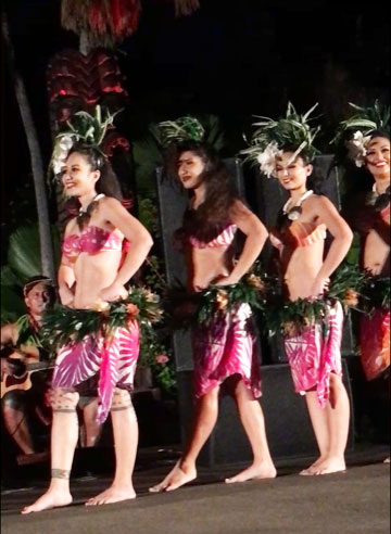 Beautiful Hula dancers at Chiefs Luau (Source: Palmia Observatory)