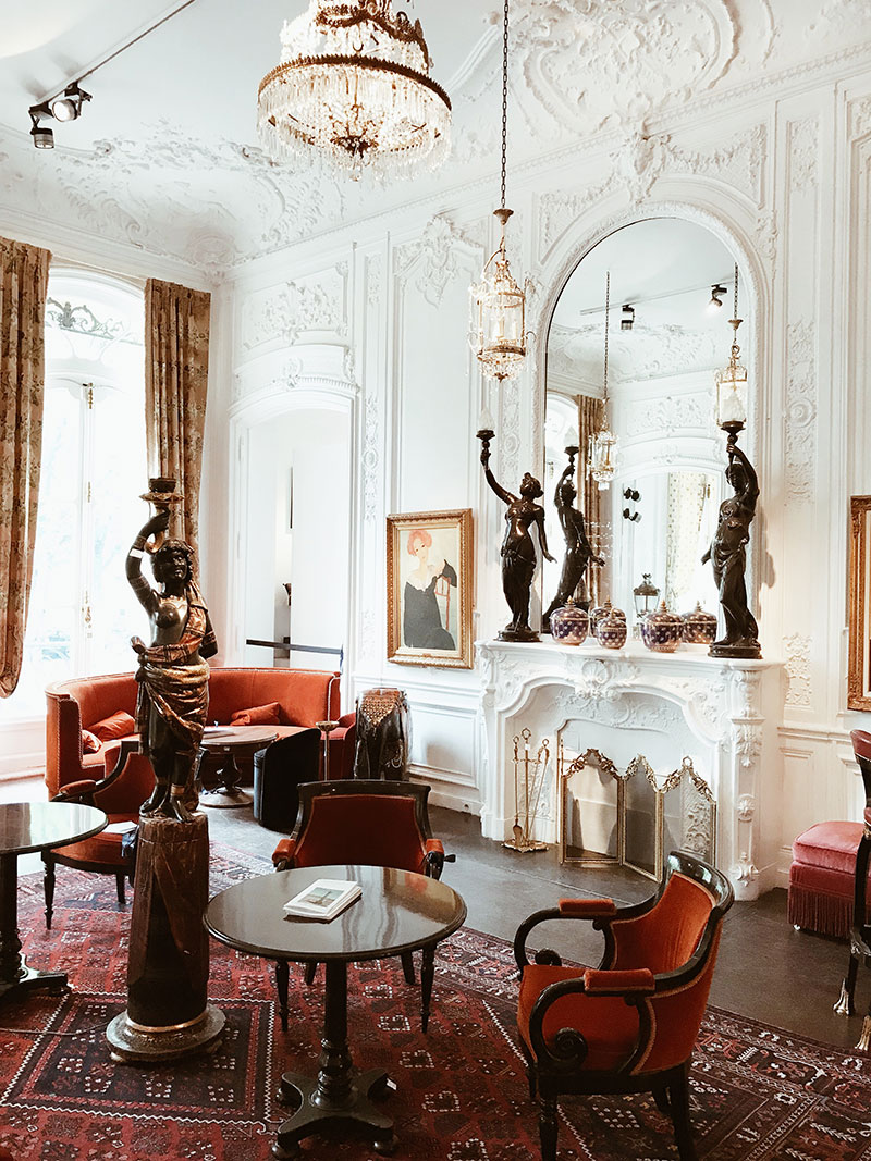 Events: The Ritz Paris' Amazing 5-Day Auction of 3,500 Lots of Beautiful Pre-Renovation Items