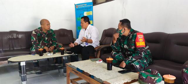 Sambung Silaturahmi Danramil Jatipuro Laksanakan Komunikasi Sosial Dengan Camat Jatipuro