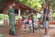 Bersepeda Jelajah Nusantara, Rajip Disambut Satgas Yonif 411 Kostrad di Perbatasan RI-PNG