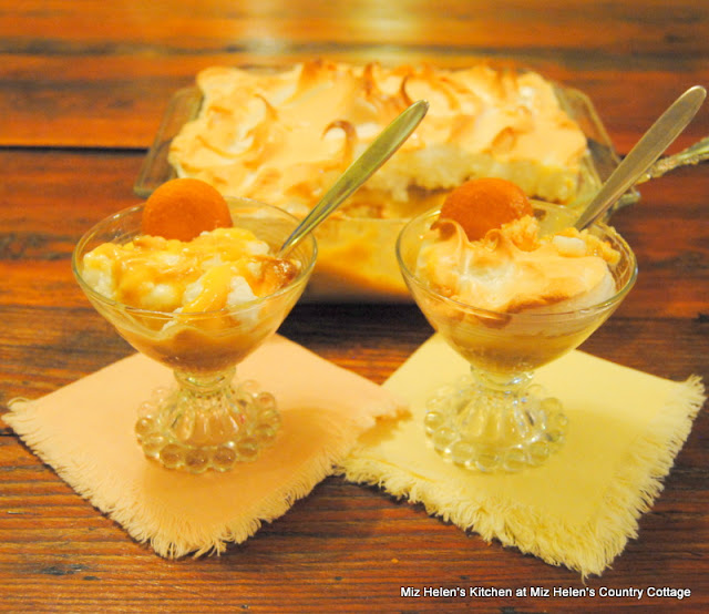 Old Fashioned Banana Pudding at Miz Helen's Country Cottage