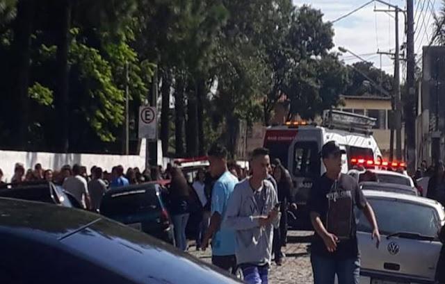 Resultado de imagem para atiram dentro de escola e matam 8 pessoas em Suzano