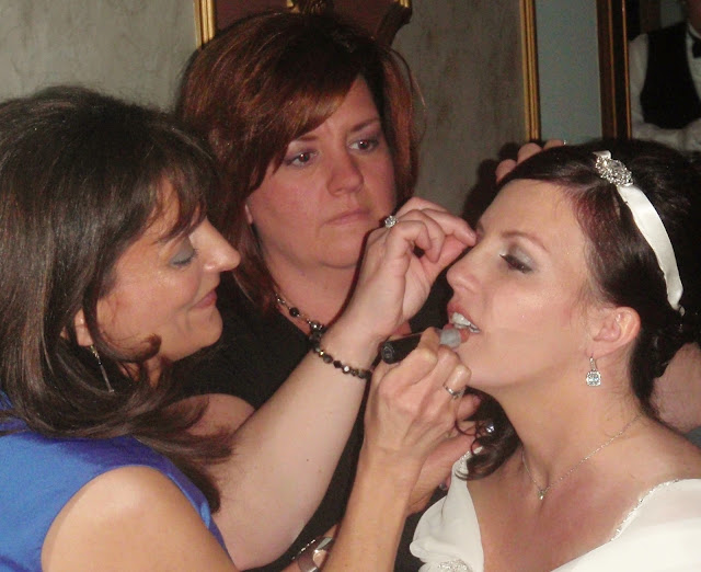 Bridal hair and makeup touchup