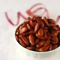honey spiced almonds recipe with vanilla and ceylon cinnamon