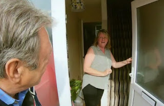 Alan Titchmarsh arrives at the door