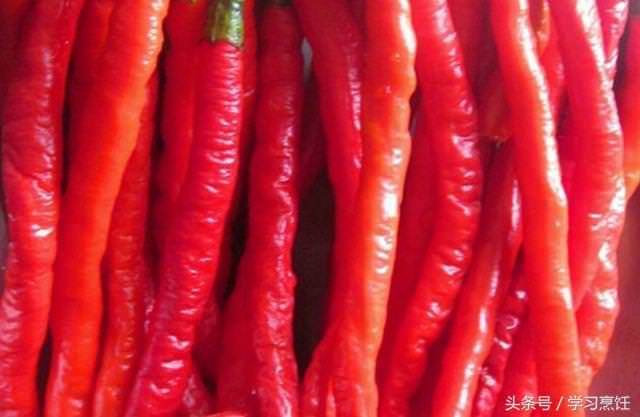自製的辣椒醬「秘方公開」用來拌醬汁,拌飯,拌冷盤,都是超好吃,做法簡單,快試試吧!!