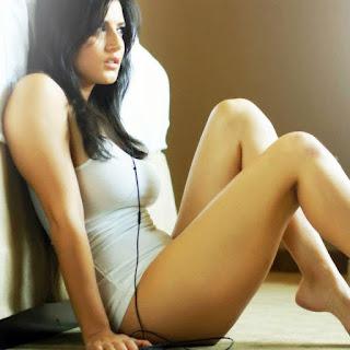 ◁ صور ساني ليون نجمة الإغراء الهندية الساخنة والمثيرة