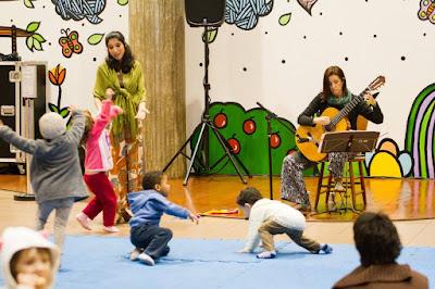 "Teatro do Sesc recebe a peça ""A Princesa Errante e o Príncipe Errado"""