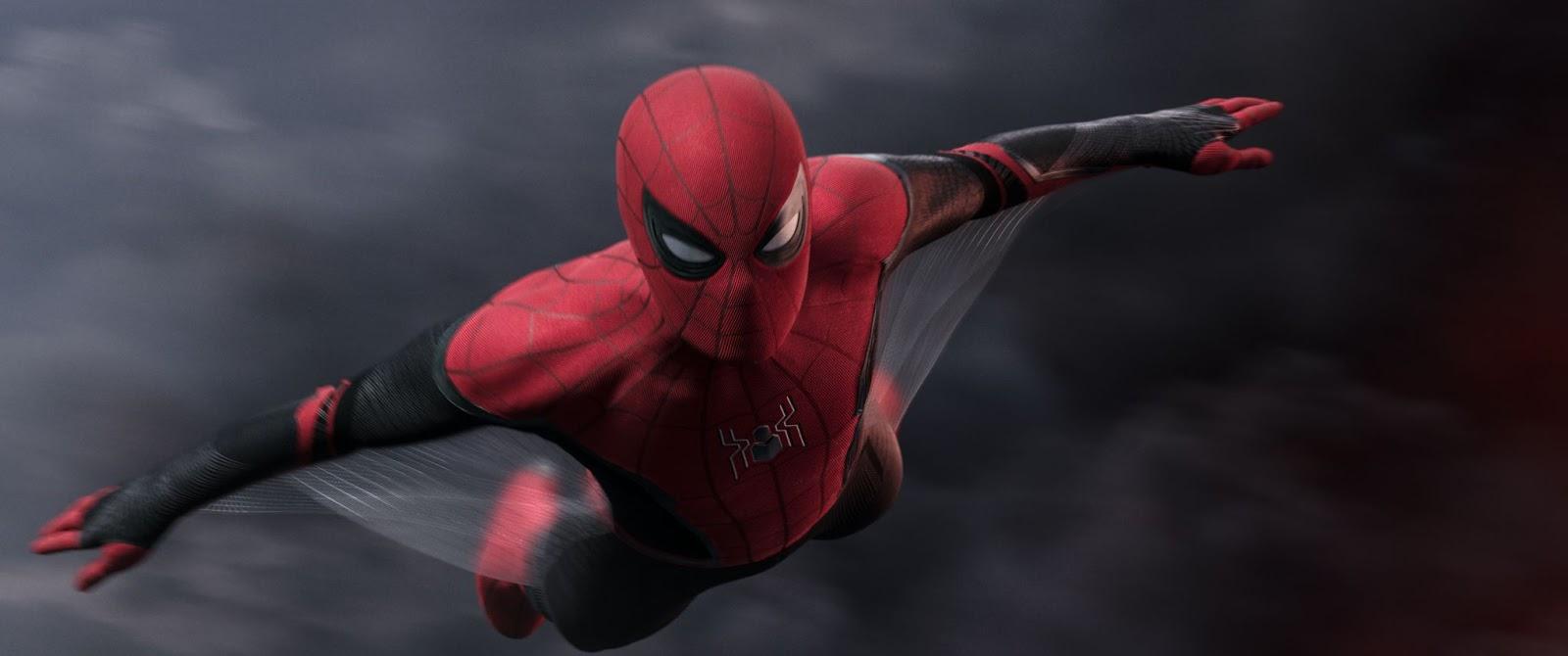 Кто заменит Тони Старка, Человек Паук или Мистерио ?
