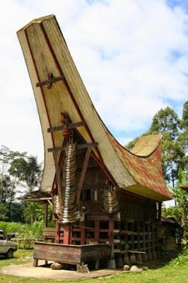 Sketsa Rumah Adat Sulawesi Selatan
