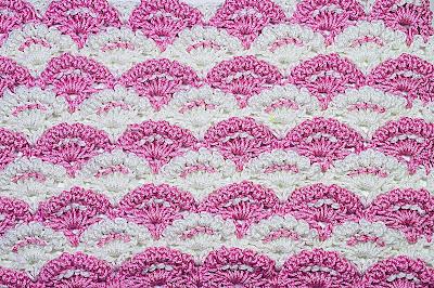 2 - Crochet Imagen Puntada a crochet de abanicos a relieve por Majovel Crochet