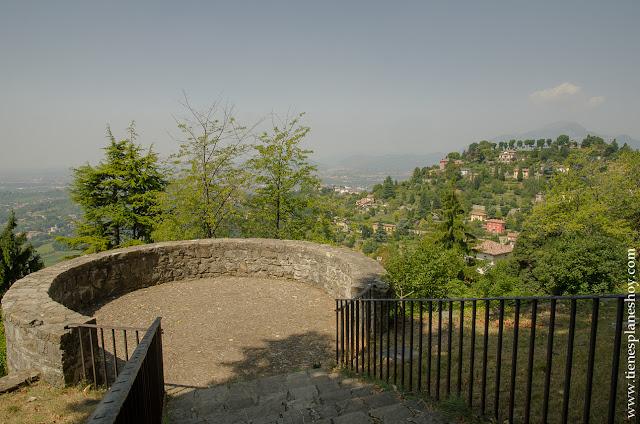 Castillo Bergamo Italia viaje turismo visitar