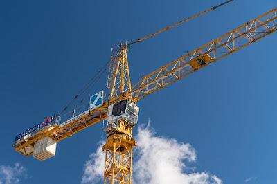 gru-cantiere-edilizia-costruzioni