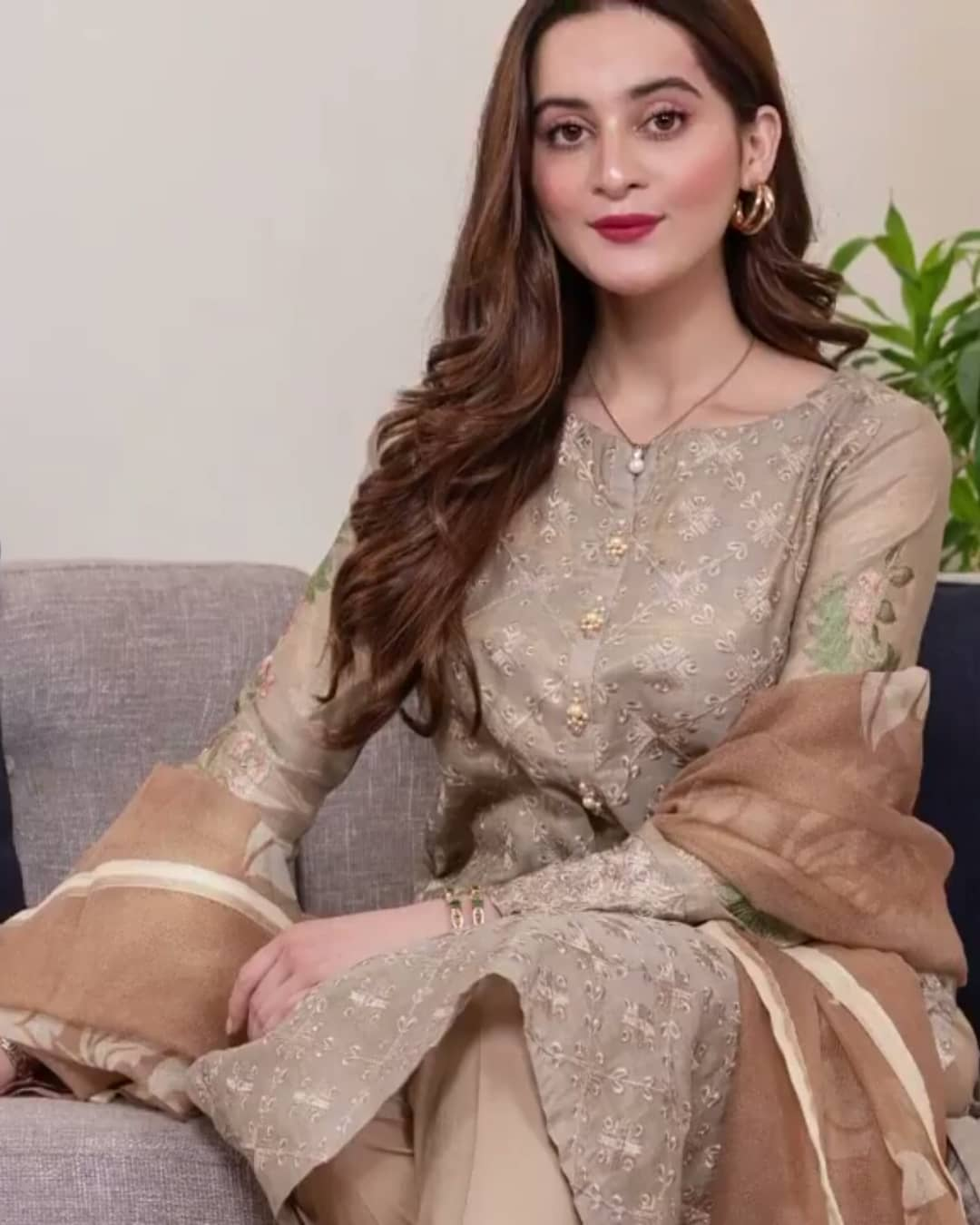 Stunning Pictures of Minal Khan