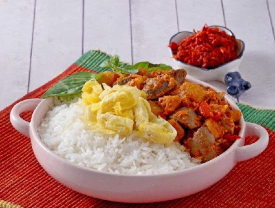 Makan terasa hambar tanpa sambal (foody.id)