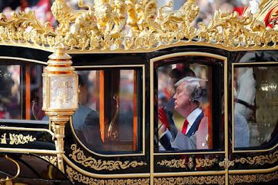 http://www.express.de/news/politik-und-wirtschaft/ein-wagen-aus-gold-dieser-trump-wunsch-macht-england-nervoes-26721652