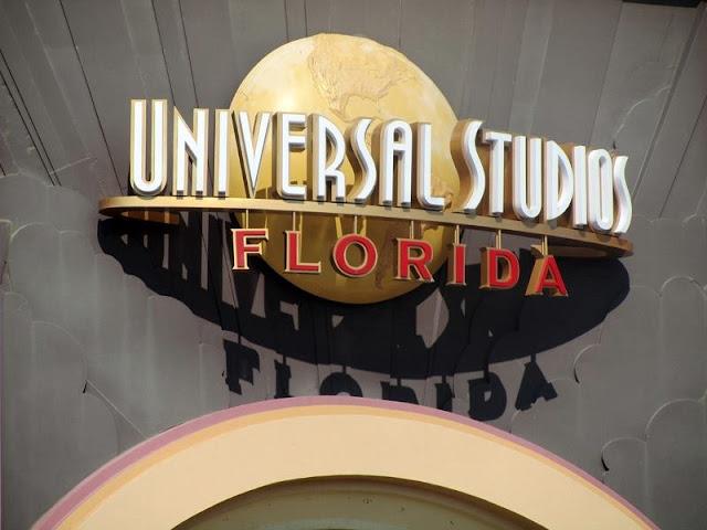 Logo at Universal Studios Florida Gate