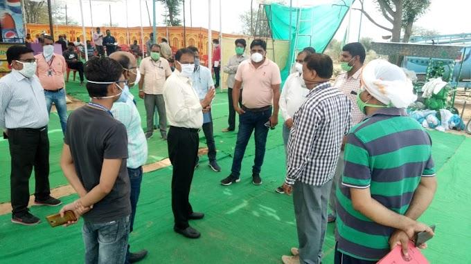 जिला कलेक्टर यूडी खान ने किया नवलगढ क्षेत्र का दौरा