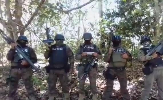 Video: Comunicado de  5 Sicarios de El CJNG en la costas Michoacanas mostrado y dejando ver sus mejores armas