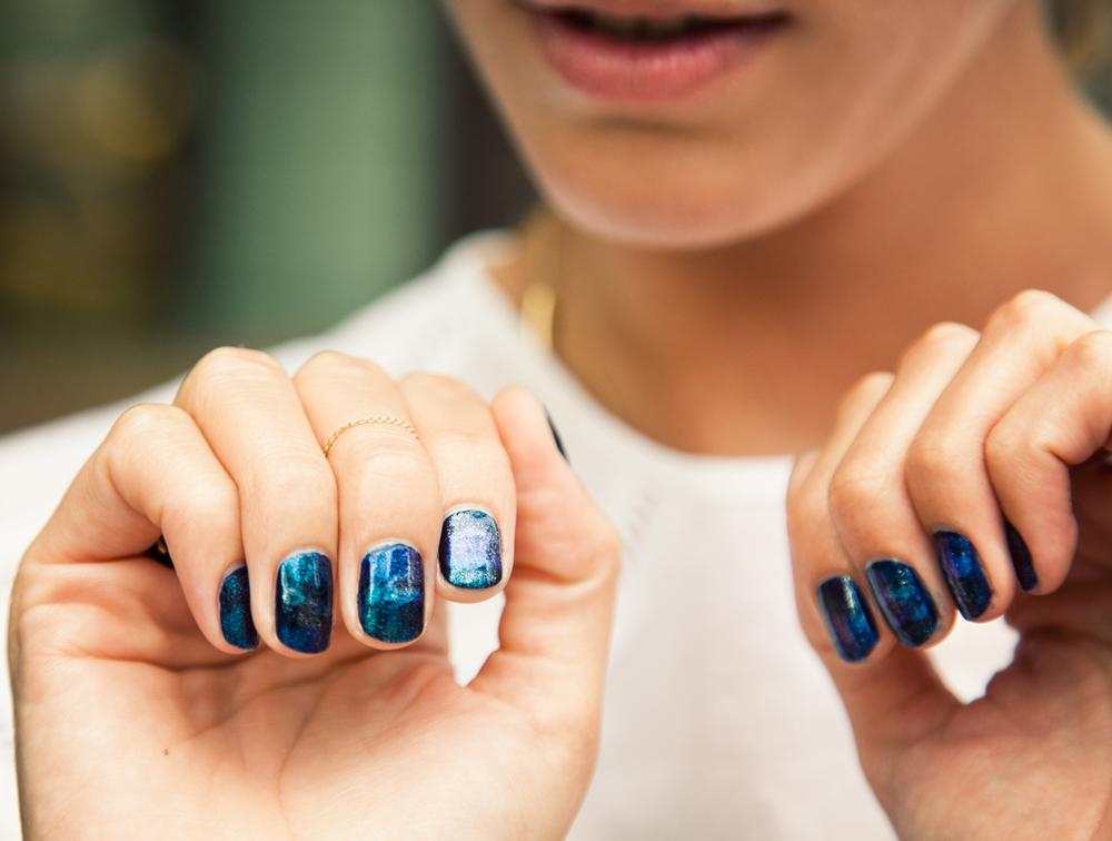 DIY Galaxy Nails | A Pair & A Spare