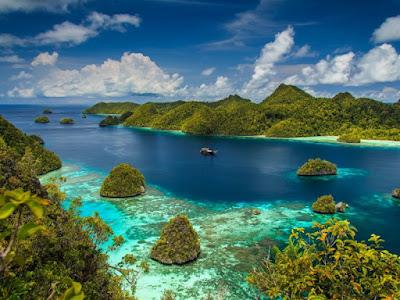 Perjalanan Seru ke Ujung Timur Indonesia Semakin Mudah dengan pegipegi.com