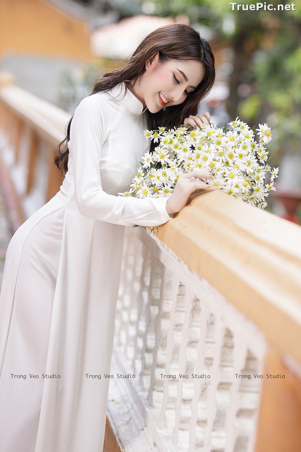 Image The Beauty of Vietnamese Girls with Traditional Dress (Ao Dai) #3 - TruePic.net - Picture-9
