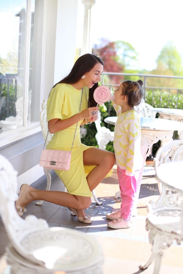одинаковые наряды для мамы и дочки