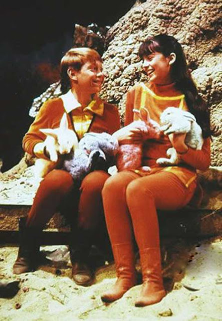 Angela Cartwright and Bill Mumy on the set of Lost in Space randommusings.filminspector.com