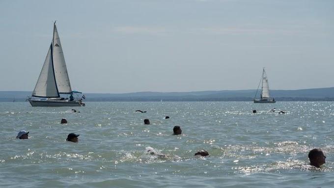 Messze még a strandszezon! Ennyivel hidegebb a Balaton a megszokottnál