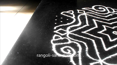 New-Year-kolam-with-dots-2612ak.jpg