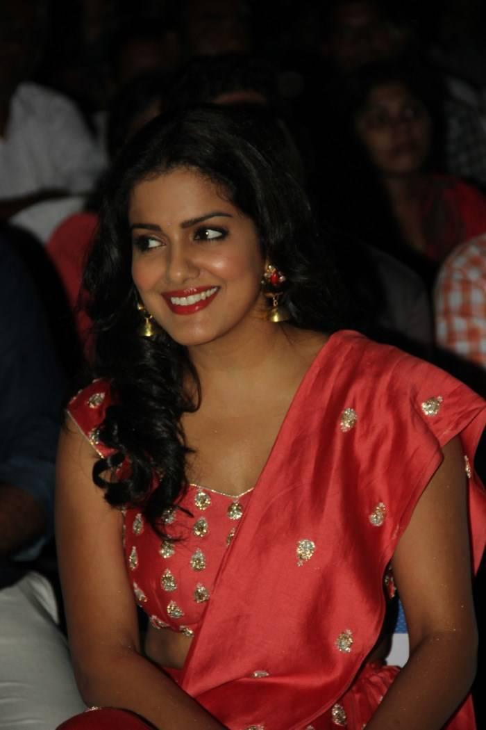 Vishakha Singh Hot Photos In Orange Dress