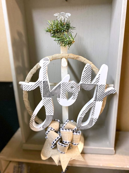 DIY Burlap Holiday Wreath Made with Repurposed Parts