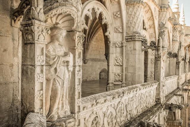 Claustro Alto, Monasterio de los Jerónimos :: Canon ISO200 | Canon 17-40@33mm | f/5.0 | 1/160s