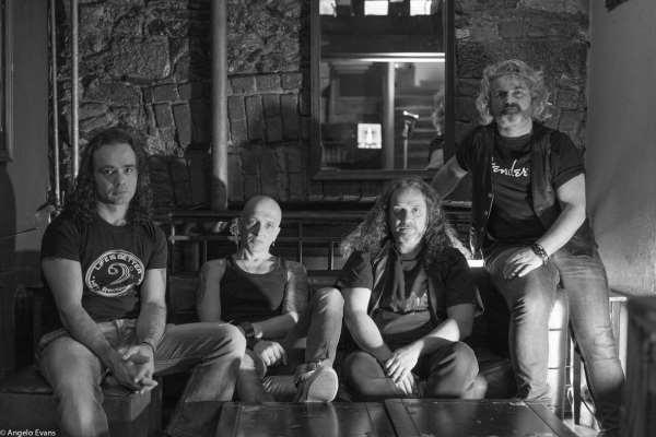 HARDLAND: Τον Ιούνιο κυκλοφορεί το ντεμπούτο άλμπουμ τους