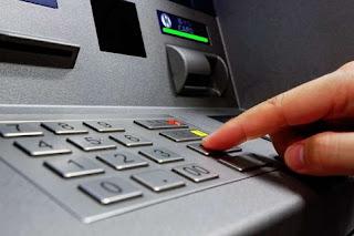 Συμβουλές για ασφαλείς συναλλαγές μέσω ΑΤΜ