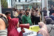 Gelar Unjuk Rasa, Mahasiswa Demo Polisi dan Kejaksaan Terkait Kasus Pencabulan Anak