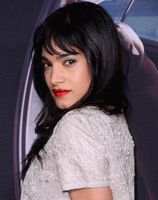 Melalui kelahiran Aljazair, aktris muda dan penari ini baru saja telah menjadi wajah Nike. Dia juga merupakan bagian dari rombongan tari Madonna dan sudah tampil di konser Rihanna, Britney Spears, Justin Timberlake dan banyak lainnya.  Pada tahun 2015, ia mengambil bagian dalam film ' Kingsman: The Secret Service'.