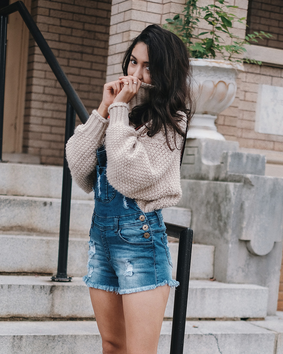 how to style a chunky sweater and overalls