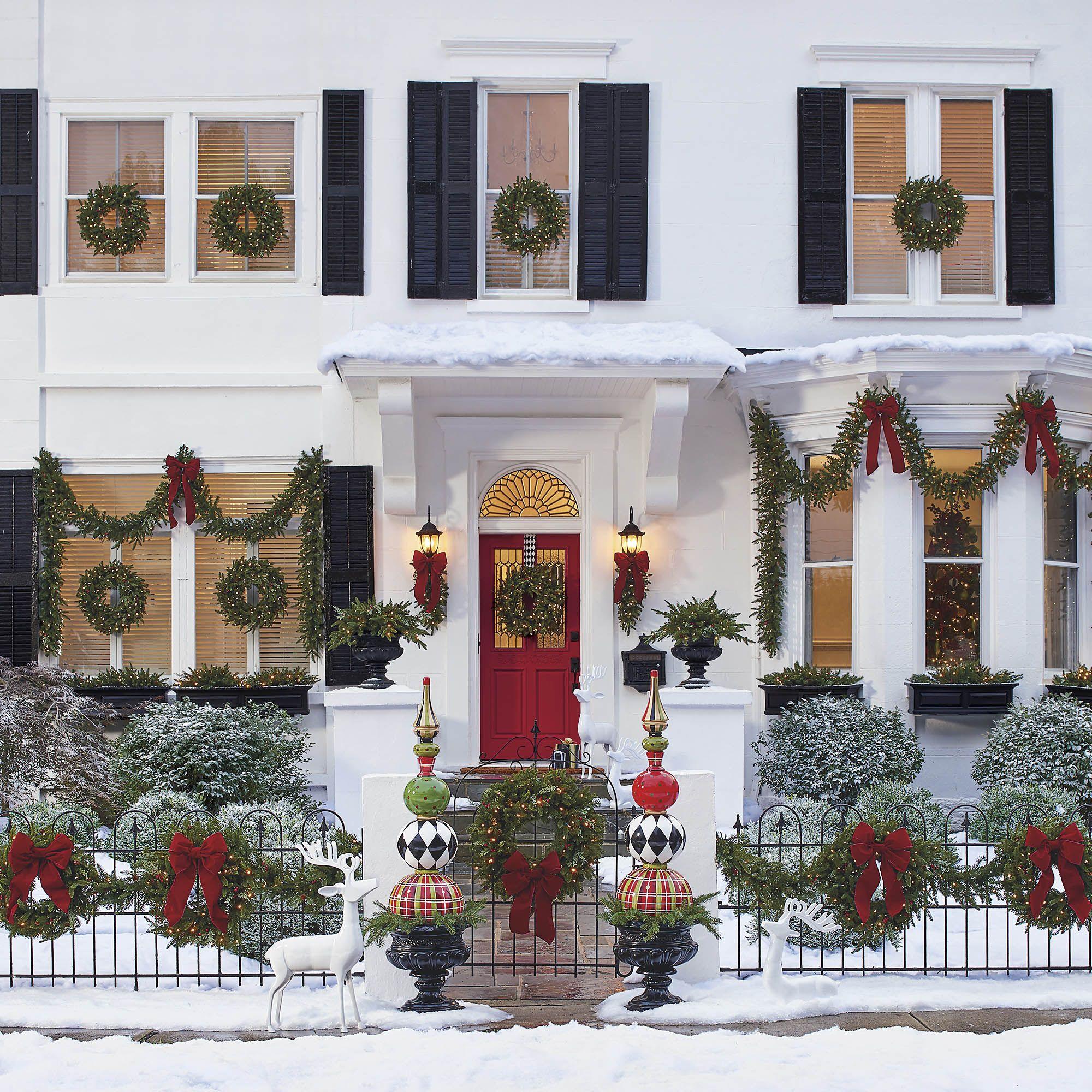 hermoso decoración en la puerta