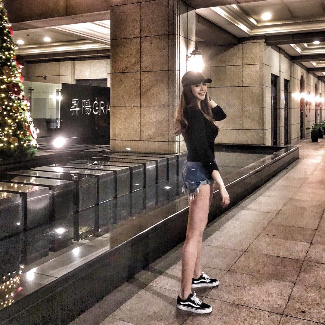 Hot girl Jessie Lee