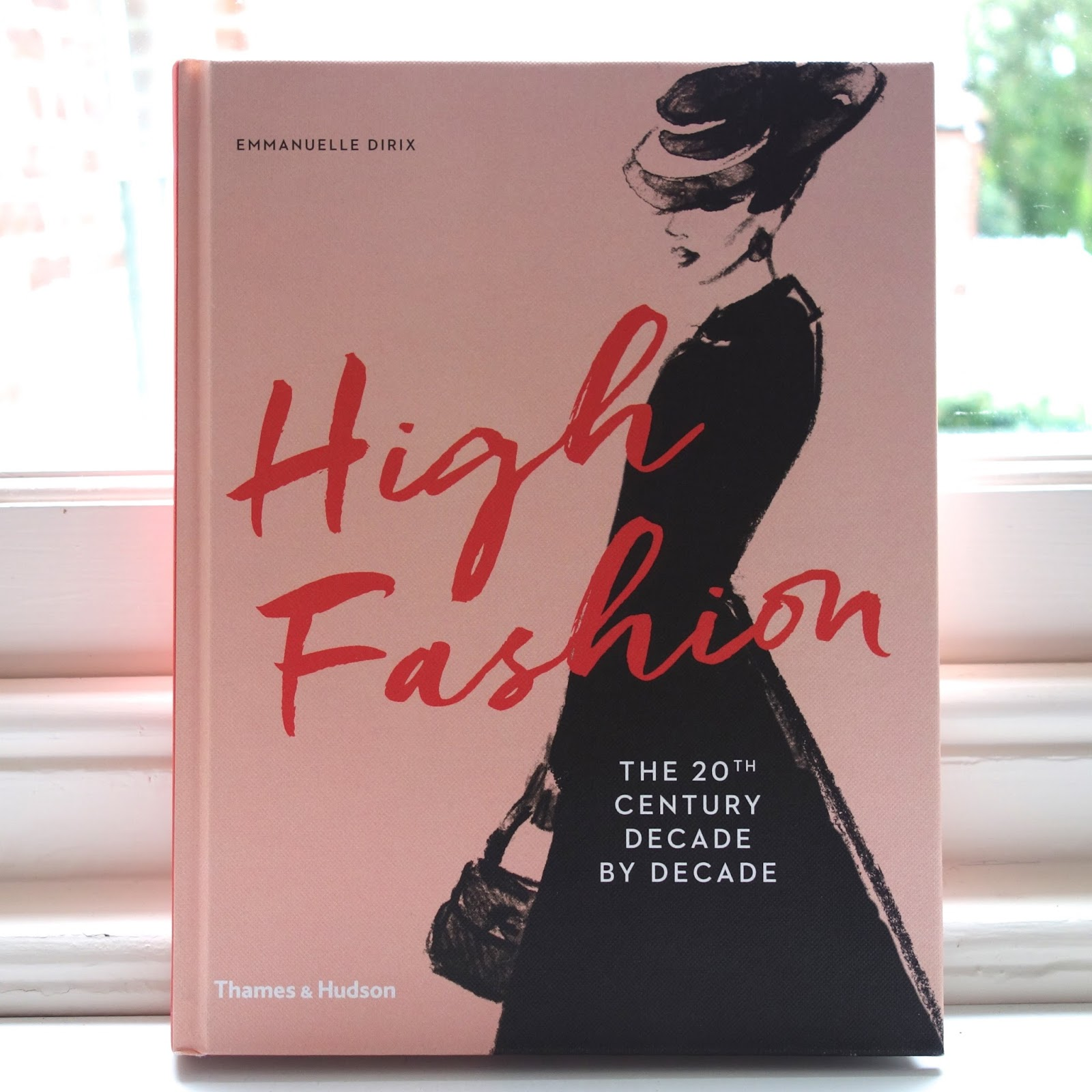 Fashion Book Cover Quest ~ Top fashion books to get you started love lana skye