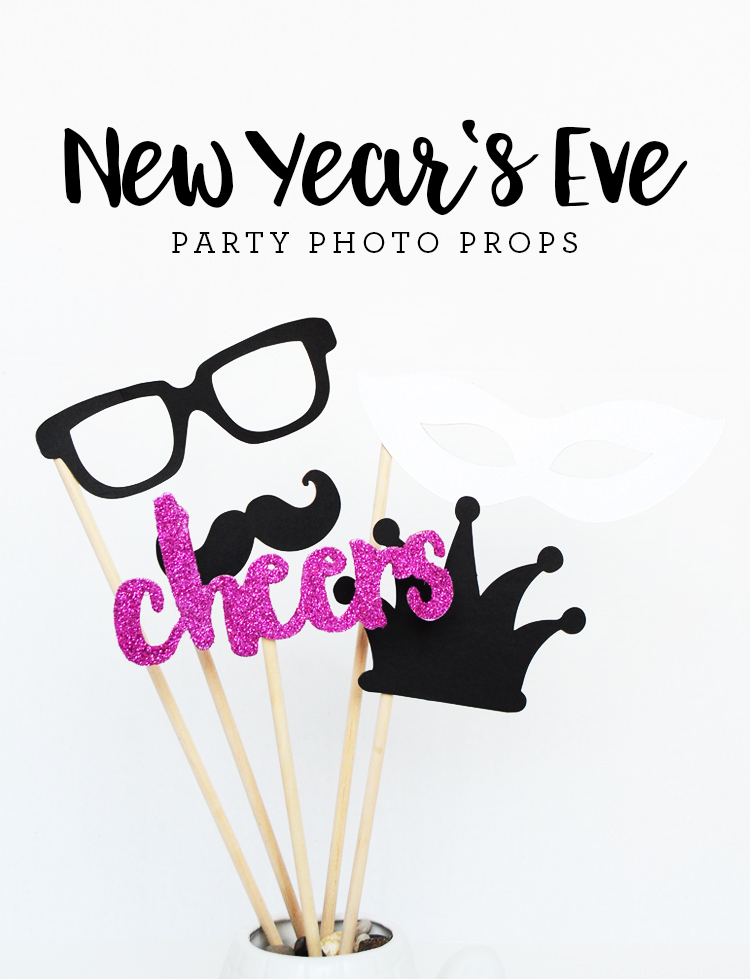 Free printable photo props