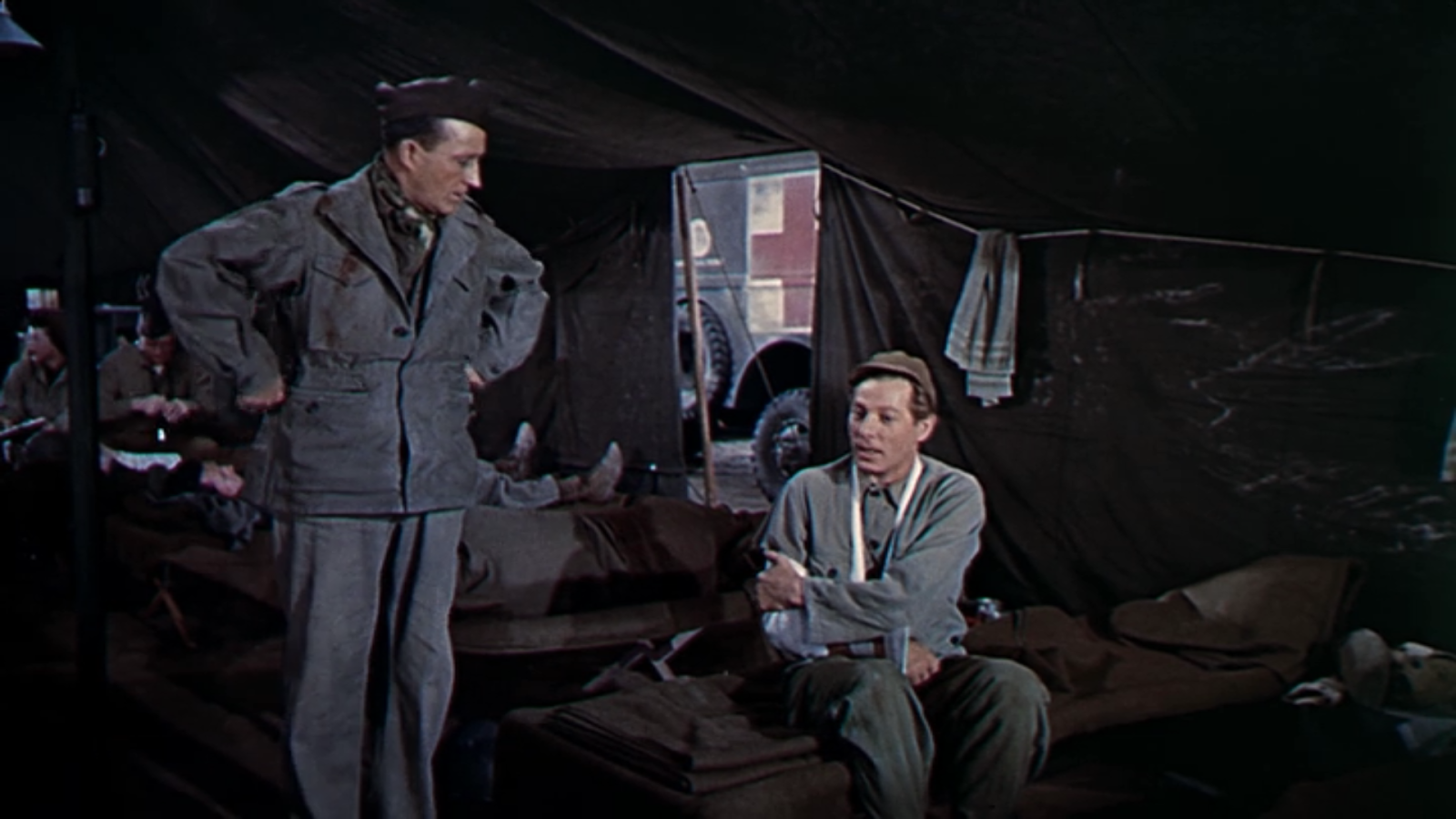the movie starts with two soldiers phillip davis and captain bob wallace bing crosby putting on a show during christmas eve for their fellow men - White Christmas Imdb